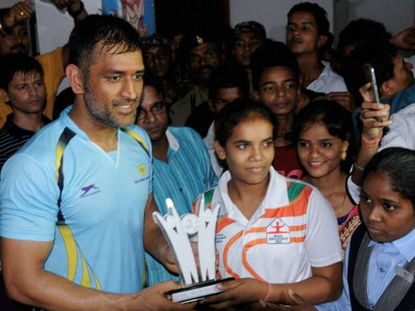 MS Dhoni plays charity football match