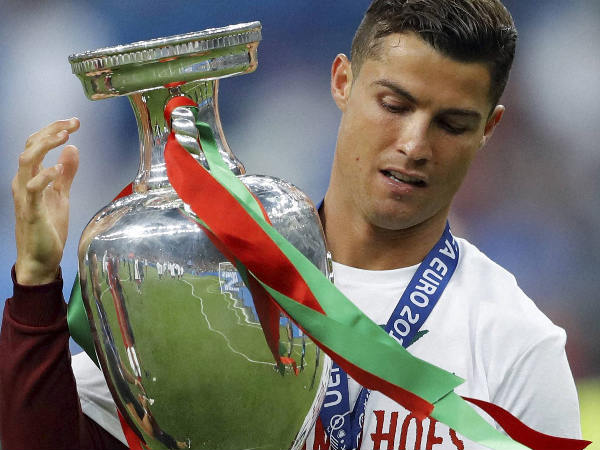 Cristiano Ronaldo with the Euro 2016 trophy