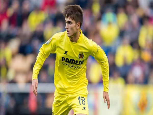 Denis Suarez in action for Villarreal CF