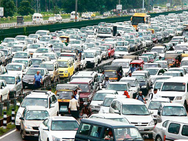 Continuous rains in Delhi slows traffic