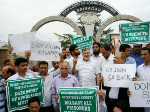 Lawyers protest in Srinagar