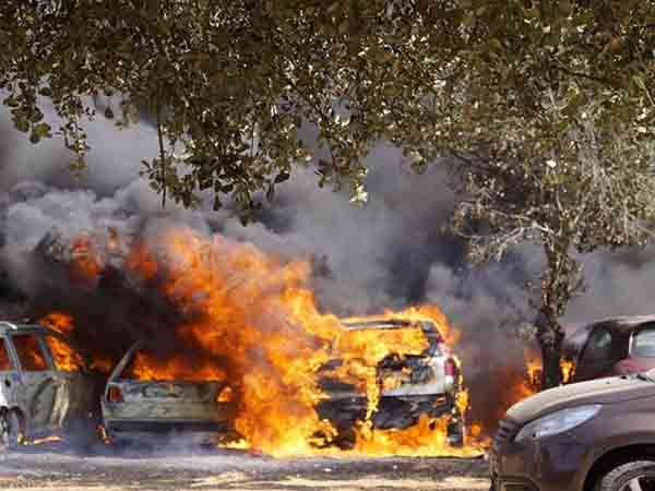 Taxi driver burns wife to death inside auto