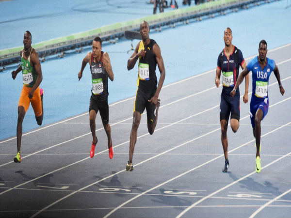 File photo: Usain Bolt (centre) wins the men's 100-meter final