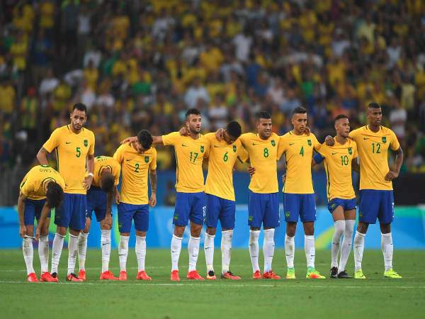 Brazil players during penalty shootout in the final (Image courtesy: Olympics Twitter handle)
