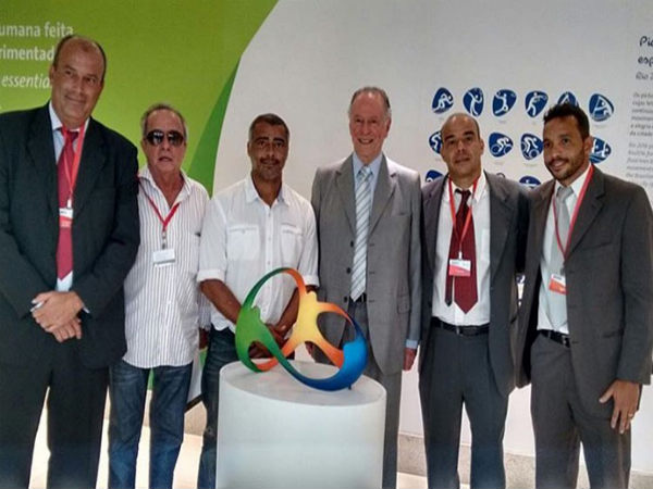 Romario (centre) at the inauguration of Rio 2016 Footvolley (Image courtesy: Footvolley.com)