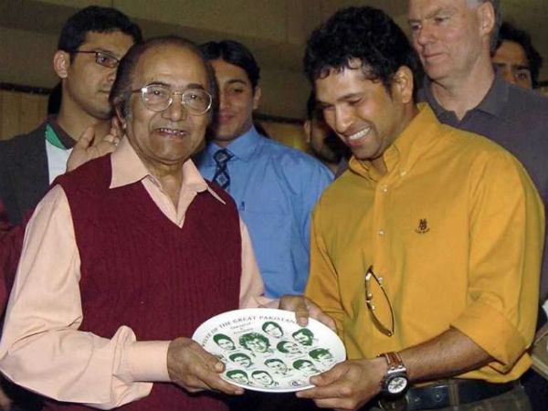 File photo: Hanif Mohammad with Sachin Tendulkar