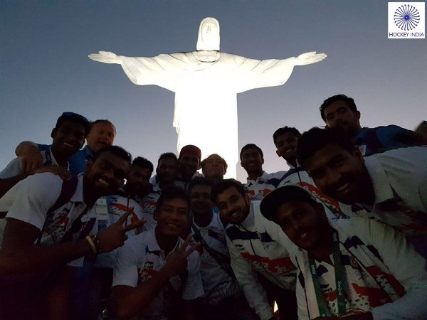 Team India's visit to Rio's famous statue of Christ the Redeemer (Image courtesy: Hockey India Twitter)