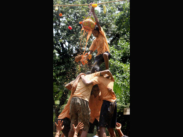 Heightened Dahi Handi revelry continues