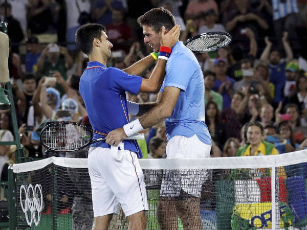 Del Potro (right) and Djokovic after their match at Rio Olympics