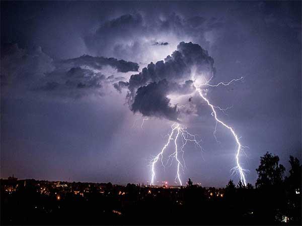 Lightning strike kills two police constables in Bihar