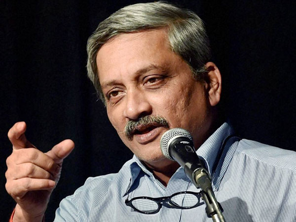 Small group holding majority to ransom: Parrikar on Kashmir