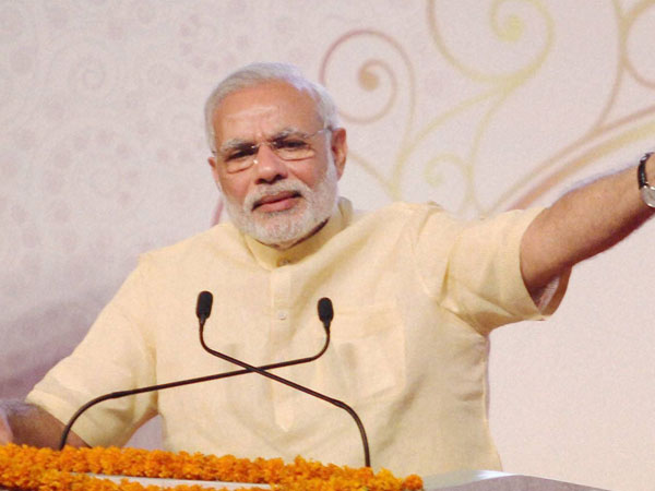 PM pays tribute to Mahatma Gandhi