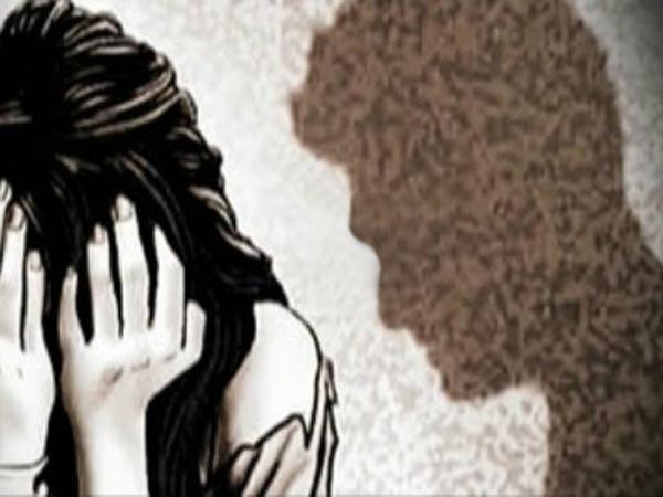Cab driver tries to rape woman, booked