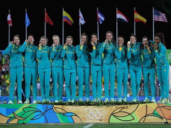 The Australian women's rugby team after winning gold medal (Image courtesy: Rio Olympics 2016 Twitter handle)