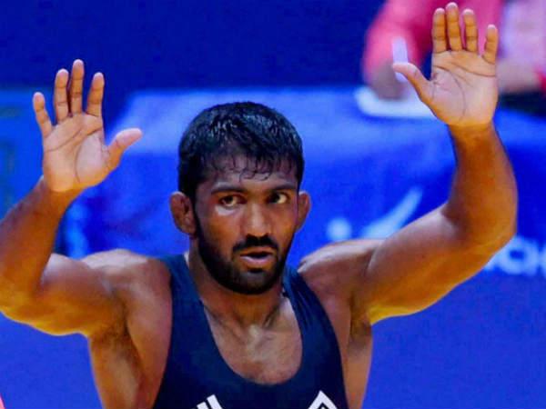 Virender Sehwag's hilarious tweet on Yogeshwar Dutt's medal upgrade