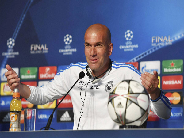 Zinedine Zidane gestures during a press conference