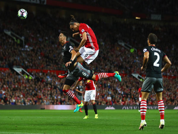 Zlatan Ibrahimovic scores the first goal of the match (Image courtesy: Manchester United FC Twitter handle)