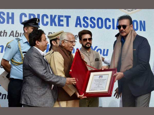 Ravi Shastri felicitated by Rajiv Shukla