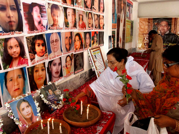 Peshawar remembers 2013 church attack victims