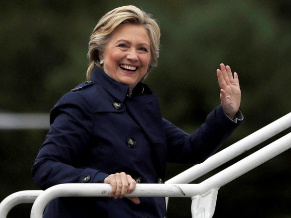 Hillary Clinton presents college plan in New Hampshire