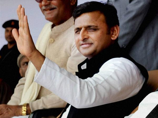 Akhilesh's supporters protest in UP