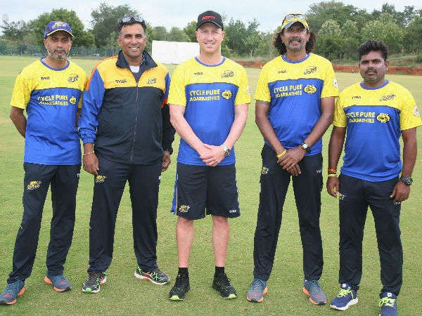 Brad Haddin (centre) with Mysuru Warriors' owners and coaching staff