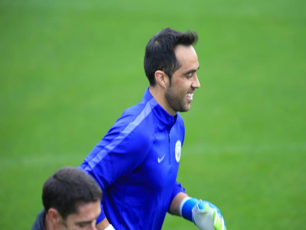 Claudio Bravo at Manchester training (Image courtesy: Manchester City Twitter handle)