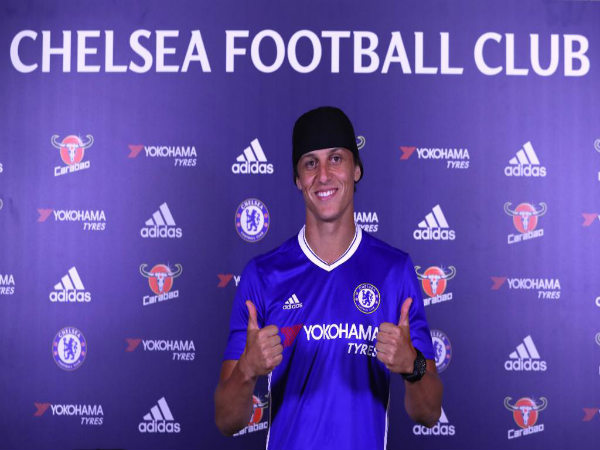 David Luiz unveiled at Chelsea (Image courtesy: Chelsea FC Twitter handle)