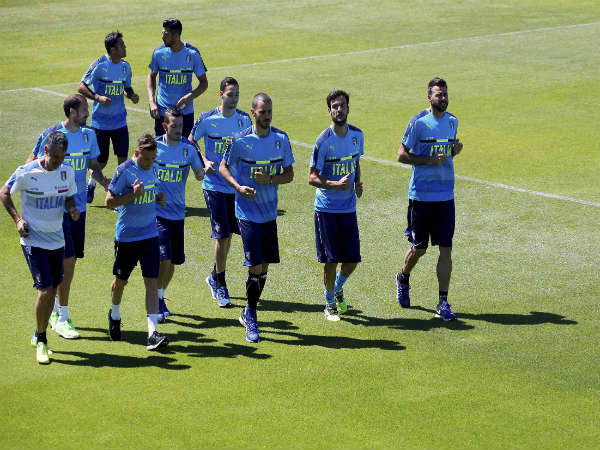 Italian players practicing ahead of their quarter final clash against Germany during Euro 2016.