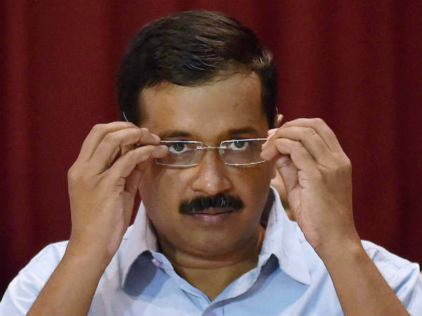 Summon LG over waterlogging: Kejriwal