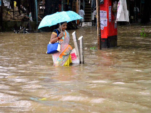 Rains lash Mumbai for 6th day in row