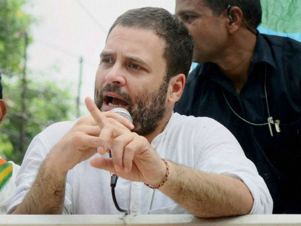 Scuffle at Rahul Gandhi's road show