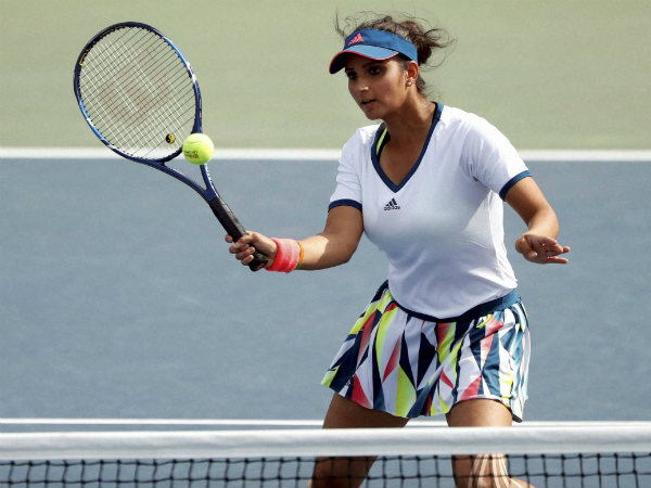 Sania Mirza returns a shot during her women's doubles match in the 3rd round of US Open on Monday (September 5).