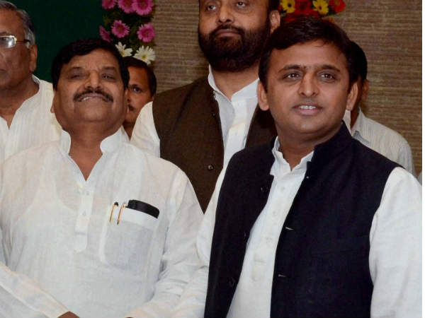 Shivpal changes SP candidates
