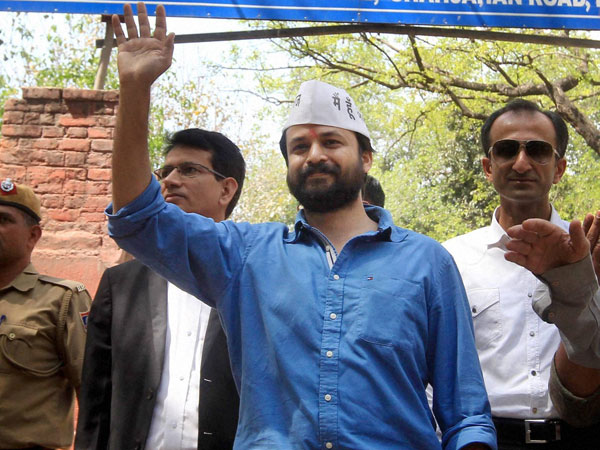SC rejects Ashish Khetan's plea