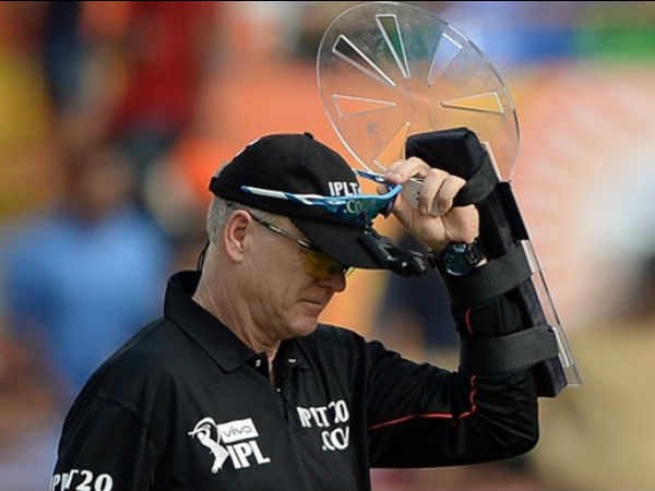 Bruce Oxenford during an IPL match