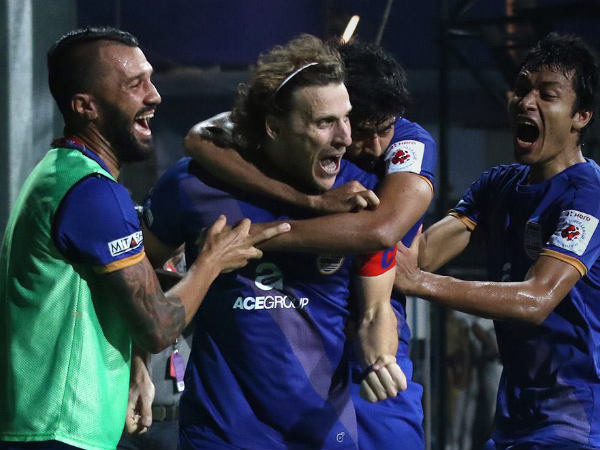 Diego Forlan celebrates after scoring (Image courtesy: ISL Twitter handle)