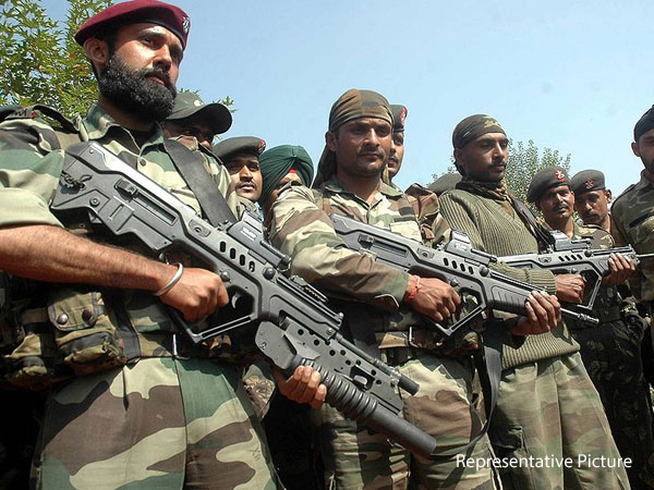 Army Commander visits Uri sector