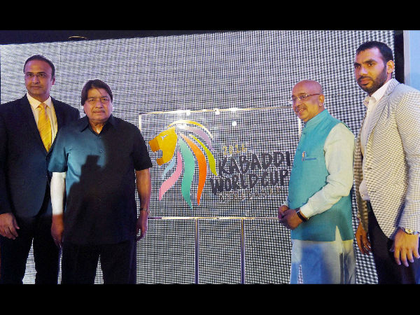 Indian Kabaddi Team's skipper Anup Kumar (right most) with Union Sports Minister Vijay Goel, JS Gehlot, President, IKF and Charu Sharma at the unveiling of the official logo of Kabaddi World Cup 2016 in New Delhi.