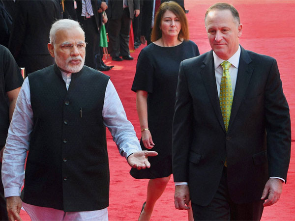 Prime Minister Narendra Modi with his New Zealand's counterpart John Key and his wife, Bronagh Key during a ceremonial reception in New Delhi
