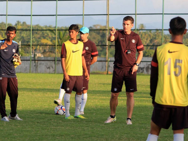 Nicolai Adam (centre) with India U-16 team (Image courtesy: Indian Football Team twitter handle)