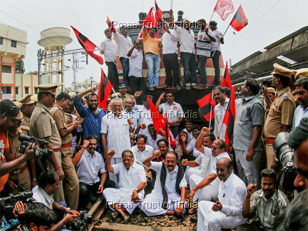 MDMK chief Vaiko, CPM leader G Ramakrishnan and others stage a rail roko at the Central Railway station demanding the constitution of a Cauvery management board, in Chennai.