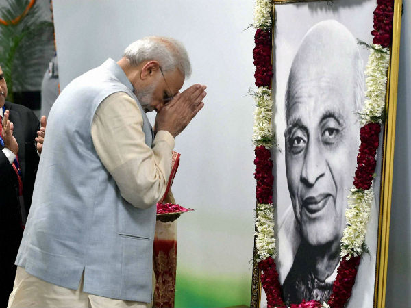PM pays homage to Sardar Patel