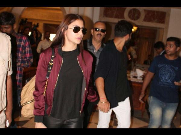 Anushka arrived at Rajkot for Virat's birthday