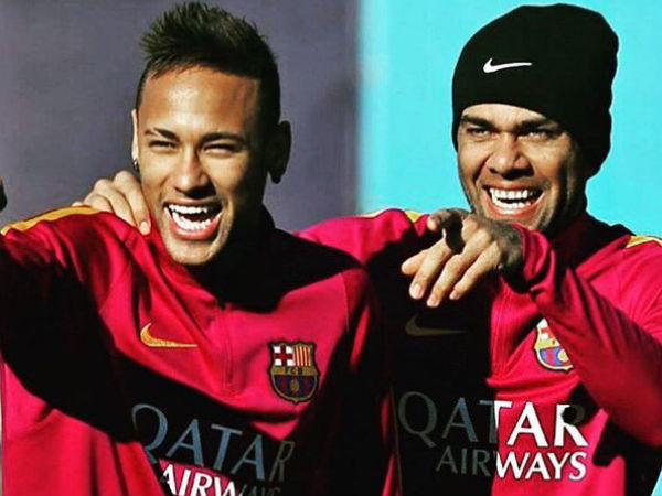 Neymar close to a world-record transfer to Paris Saint Germain
