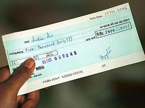 Won't ban cheque books says FinMin