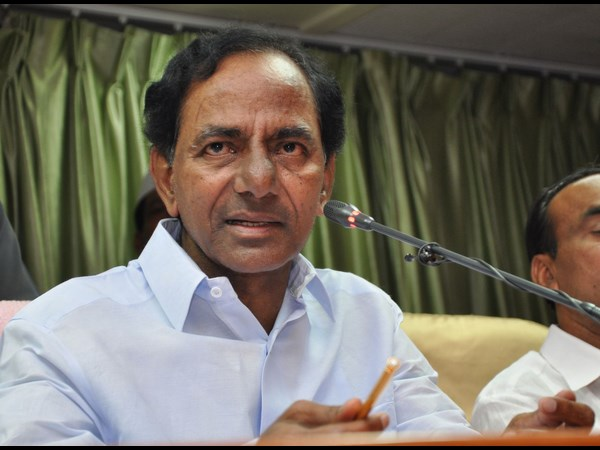 KCR takes on Cong for criticism