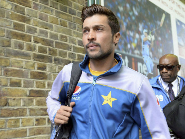 Pakistan pacer Mohammad Amir on Tuesday (Nov 2) was dismissed in one of the most comical fashion in the history of the game