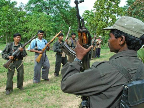 Naxal couple surrenders in Chhattisgarh