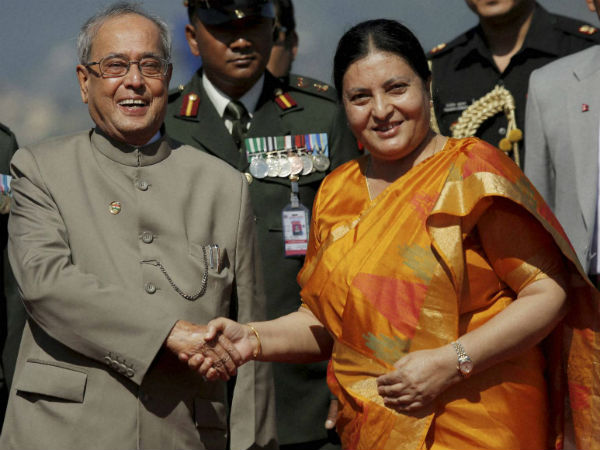 Prez meets Nepalese counterpart